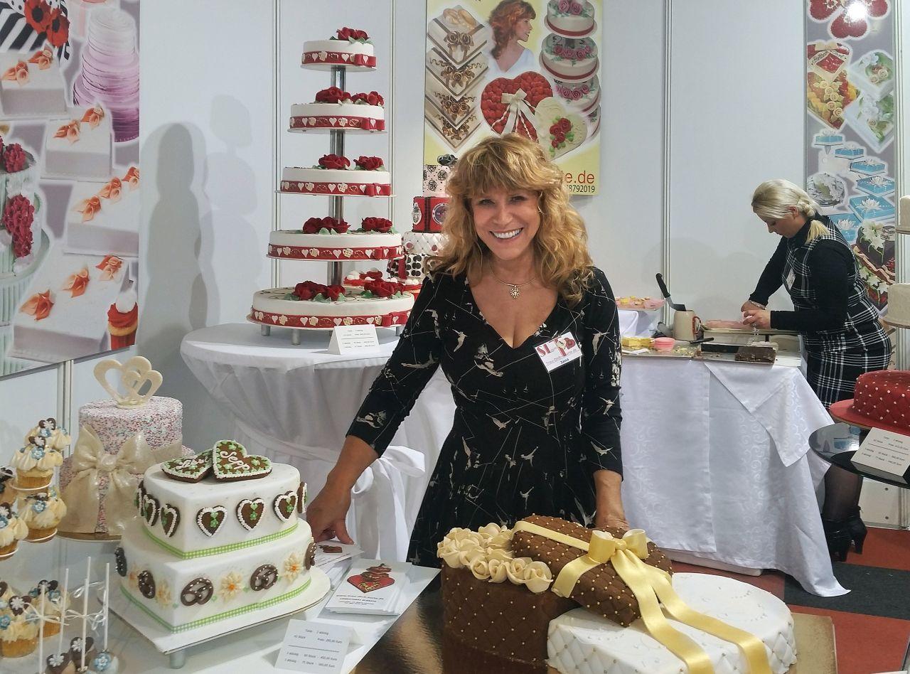 Trau Dich Torte Hochzeitstorte Munchen Kuchen Pralinen